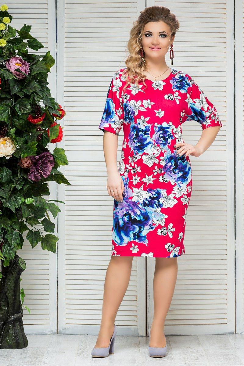 Женские платья из трикотажа для полных имеют ряд достоинств: гигроскопичность, устойчивость к деформации
